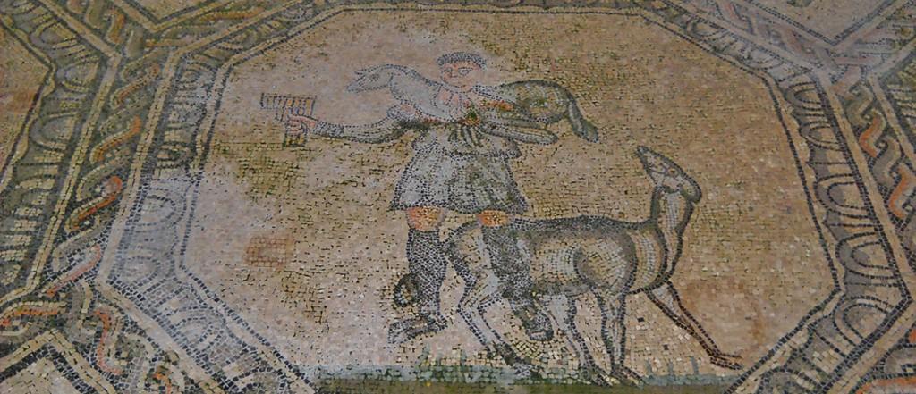 Aquileia-Basilica-slide4
