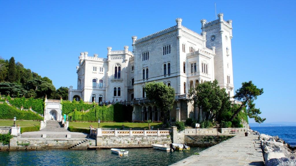 Castello-Miramare-molo