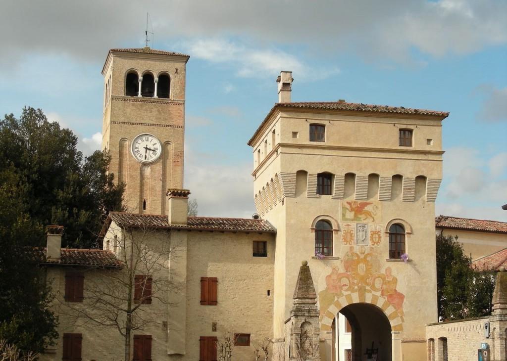 Sesto-al-Reghena-Ingresso-e-campanile