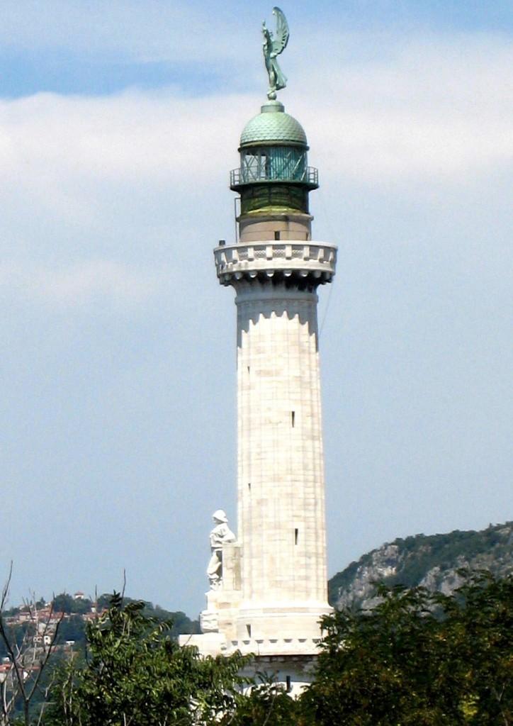 Trieste-faro vittoria