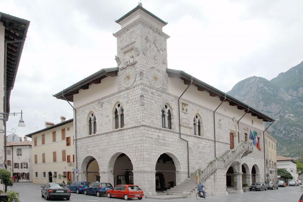 venzone-municipio01