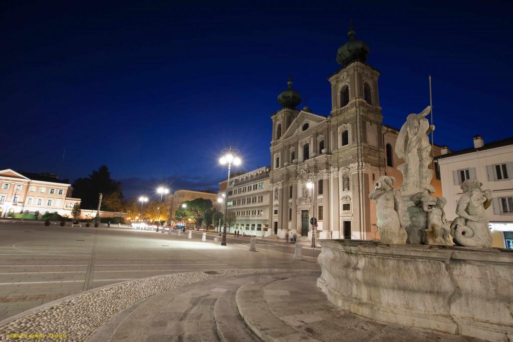 Gorizia_piazza_Vittoria_[∏Fabrice_Gallina]- with ©