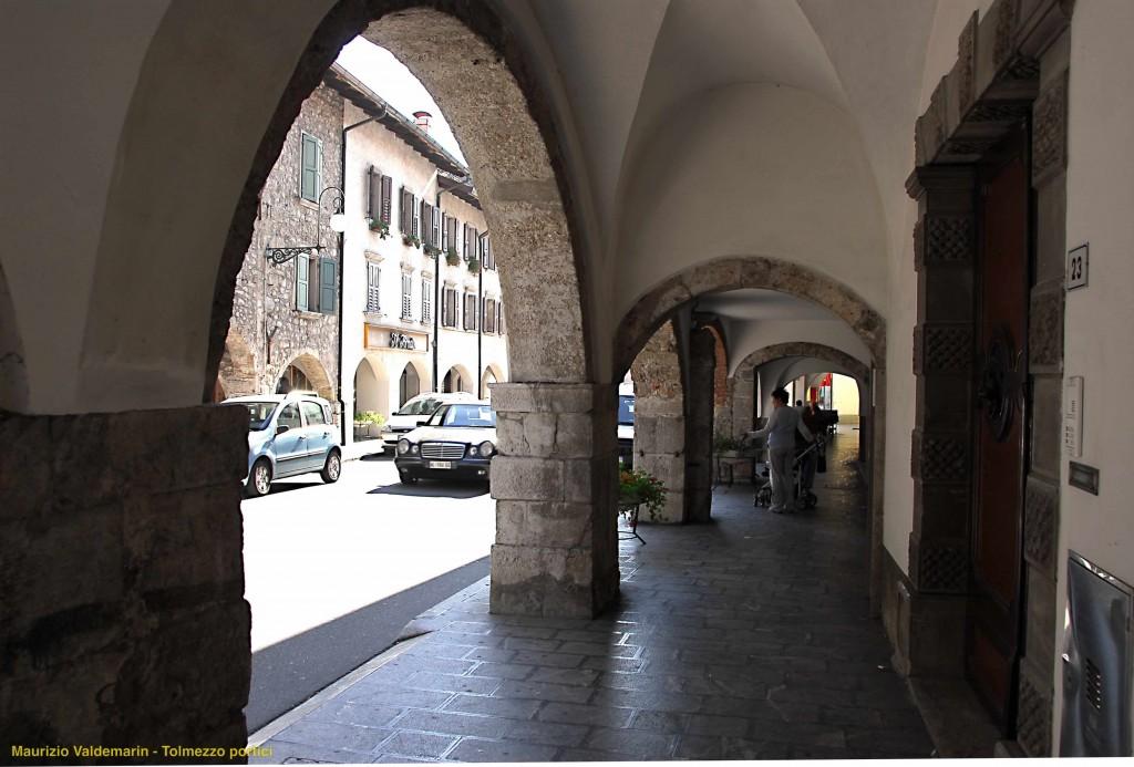 Tolmezzo (ph Maurizio Valdemarin) portico strada- with ©